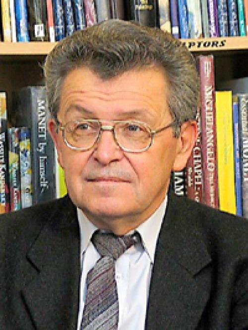 A rossz tankönyvnél az is jobb, ha nincs tankönyv -- a Kolozsvári Rádió interjúja Péntek Jánossal