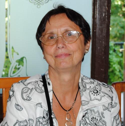 Tulván Gizella előadása Bukarestben