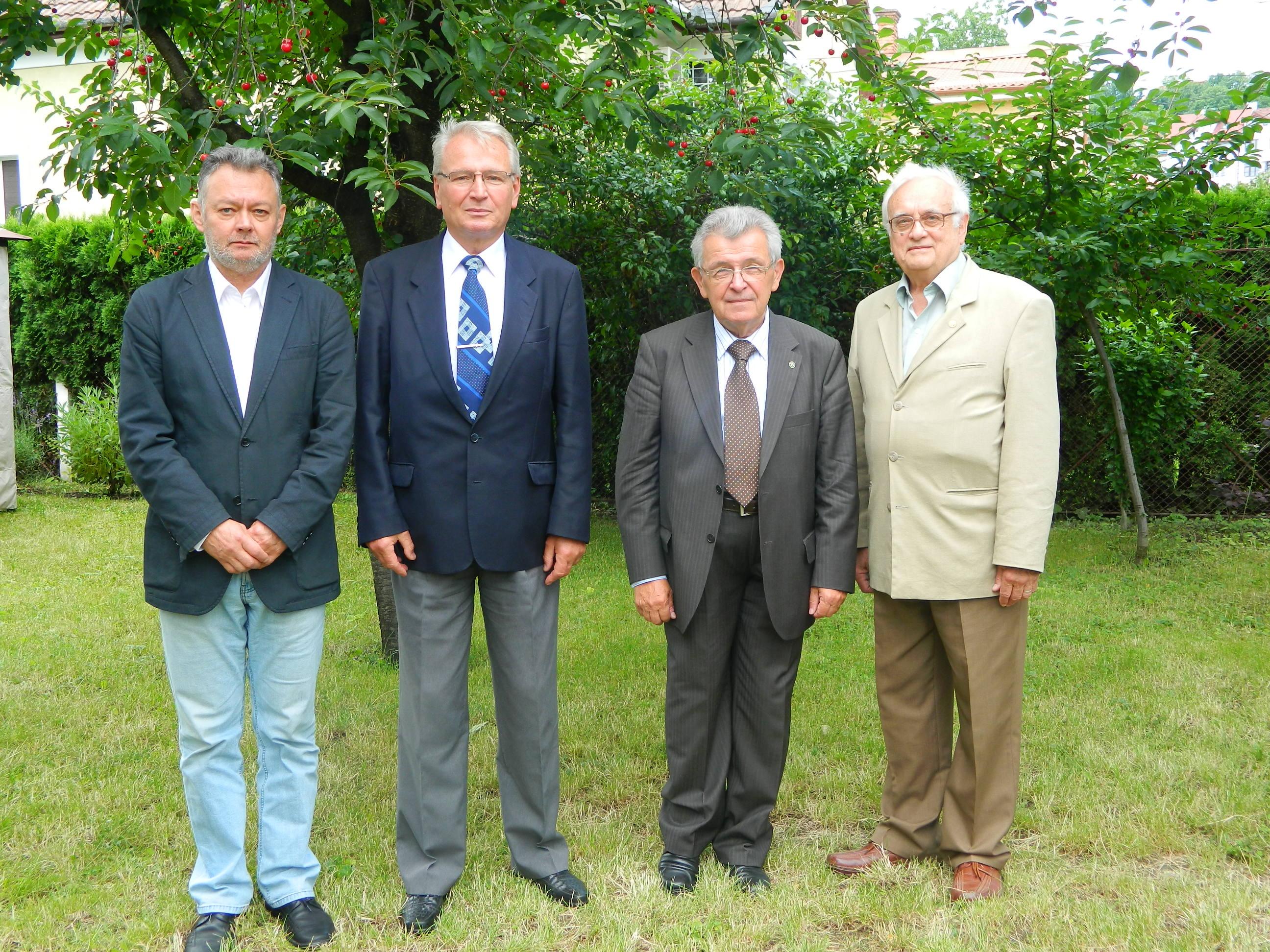 íšj elnöke van a Kolozsvári Akadémiai Bizottságnak