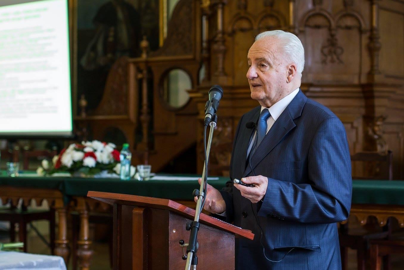 Interjú Uray Zoltán akadémikussal