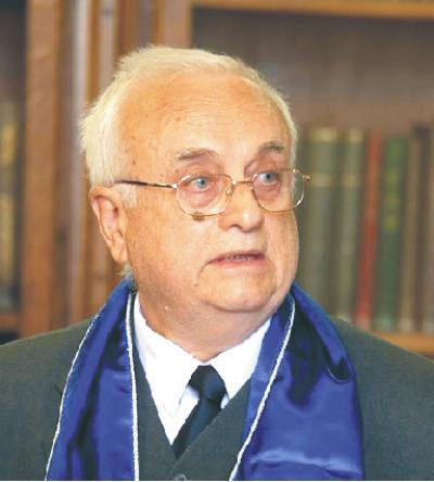 Dr. Gyéresi írpád professzor a budapesti Semmelweis Egyetem díszdoktora