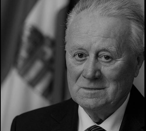 A Bolyaiak bűvöletében – In memoriam Weszely Tibor